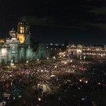 RT @LoQueSigue_: Por los costados del Zócalo siguen y siguen llegando miles de personas de la marcha por Ayotzinapa #EPNBringThemBack http://t.co/idXsIlofTg