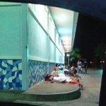 INDIGNANTE !!! #22Oct 10:00 pm Dormir en Farmatodo para comprar pañales mañana #Margarita http://t.co/o0IgOVFW5r