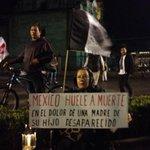 La síntesis de una mega marcha en el Zocalo. #TodosSomosAyotzinapa. http://t.co/EabolnVbBT