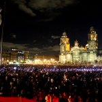 RT @ElDeCreativo: Hace unos meses lo usaron de estacionamiento de Suburbans blindadas, hoy es un mar de luces por Ayotzinapa. http://t.co/vAnyOElwr5
