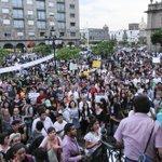 RT @MilenioJalisco: [Fotogalería] Continúan marchas por caso Ayotzinapa http://t.co/aVYCpvMchr http://t.co/hHP904i4uW