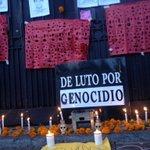 Desde #Ecuador. Plantón en la embajada mexicana #TodosSomosAyotzinapa http://t.co/12BnurUnhQ