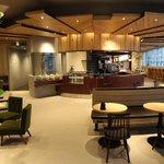ビジネスマンがターゲット、カフェとオフィスを融合させた「Caffice」新宿にオープン http://t.co/DCZNm3jTUo http://t.co/35wwFAlZ53