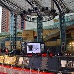 RT @cinematoday: [映画][第27回東京国際映画祭]嵐のサプライズ登場で東京国際映画祭が開幕! http://t.co/mCCl4QZESQ http://t.co/O3QBS6mw39