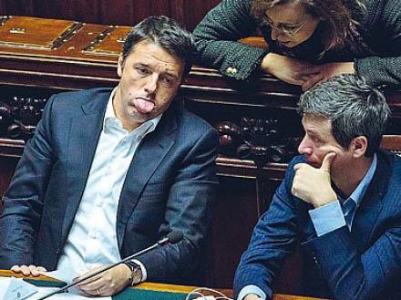Matteo Renzi mentre racconta agli altri ministri la scena del pomodorino piccante di Fantozzi. http://t.co/7jhFPDx9Px