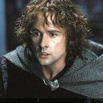 [映画]『ホビット』完結編、主題歌は『ロード・オブ・ザ・リング』ピピン役ビリー・ボイド http://t.co/Ll2x5pXSWM http://t.co/FMzWg8GA39