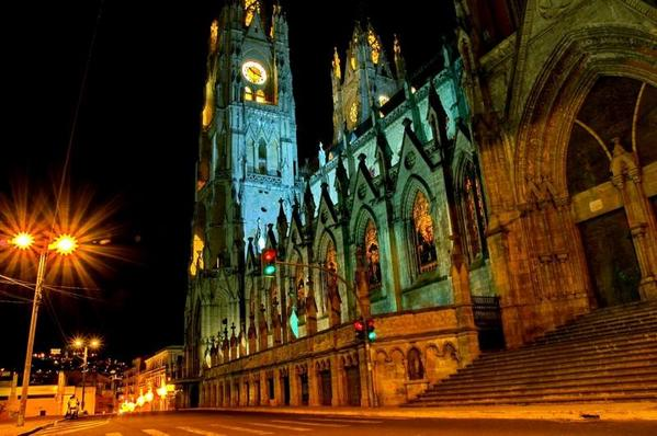 #Quito is one of the 14 Finalists in #New7Wonders Cities. Vote today! http://t.co/YdthtZTzki http://t.co/ZTH2dcxLnE