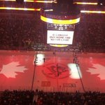 "RT @ABC: Hockey crowd in Pittsburgh sings along to ""O Canada"" following shooting http://t.co/i88RZdiRrt http://t.co/4CuUwestd5"
