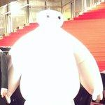 レッドカーペットにベイマックス登場! RT @jwave813fm: 今夜20時からの @jwavejam は @tiff_site 東京国際映画祭スペシャル 「ベイ・マックス」… 六本木ヒルズアリーナの レッドカーペット http://t.co/zFtvCQecEx