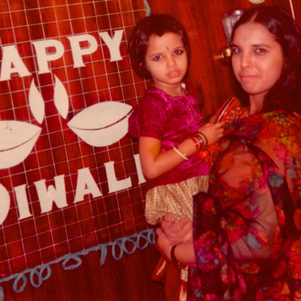 Padma Lakshmi @padmalakshmi: Happy Diwali!! #mommyandme #diwali #tbt http://t.co/y5BMR9zggH