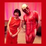 RT @sakura_ando: あかーいふたり。進撃の巨人さんと。#進撃の巨人#TIFFJP #東京国際映画祭 http://t.co/kYvD0WvaYb