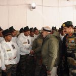 RT @mediacrooks: The act of meeting Siachen Jawans on a festive day... is a lot better than Ishtar parties .... https://t.co/EipvJt8DRQ
