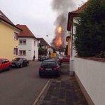 Explosion in #ludwigshafen Es scheint ein Wohnhaus betroffen zu sein, nicht #basf http://t.co/0c54C7IswE
