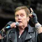 RIP Alvin Stardust...co-star (with Noddy Holder) of fun-but-underrated Dudley-based sitcom The Grimleys http://t.co/d9F65wj4rQ