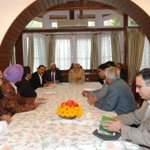 Food and grain merchants association and NGOs met PM @narendramodi during his J&K visit. http://t.co/F6MCYFlqoV