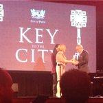 Kerry Stokes receives the key to the city of #Perth. @LisaScafPerthLM @CityofPerth @SevenPerth http://t.co/5pIkZltSu1
