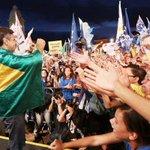 RT @blogbymel: Literalmente, @AecioNeves VESTIU a bandeira do Brasil!!! #VemJunto #VemPraUrna #Aecio45PeloBrasil http://t.co/dR9JtH5cVA