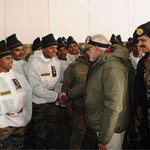 #India stands shoulder-to-shoulder with you: @narendramodi tells soldiers at #Siachen http://t.co/V7SUhB3ol7 http://t.co/f0NTaZPQPU