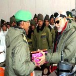 SIACHEN (Garden of Roses). Sweets for Indian soldiers PM @narendramodi . This time Ladakh, next time Muzzafarbad? http://t.co/QllXv2AH3L