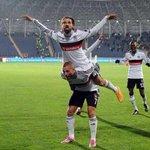 3 yıldır ilk defa takımla birlikte değilim. Ruhum sizlerle @Besiktas Bu akşam yüzünüzü güldür Beşiktaş! #BesiktAsk http://t.co/RaJaisLNqG