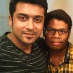 RT @suriya_fan: Another one. SELFIE by SURIYA Anna with his fan today! Damn cute..!! ❤ http://t.co/qcLFOGm87O