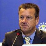 Dunga convoca só europeus para não desfalcar clubes brasileiros; confira lista: http://t.co/SAqdQ1Rq3m http://t.co/0u7Yti7VmA