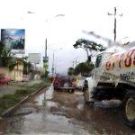 Malas condiciones de Calz. al aeropuerto de Terán generan complicaciones viales en la zona. #Tuxtla http://t.co/K19NMJ1jeG