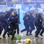 RT @BBCSport: Everton supporters hit with tear gas in Lille ahead of Europa League game http://t.co/tFxjuNwyOa #EFC http://t.co/Nf1xoZdWIQ