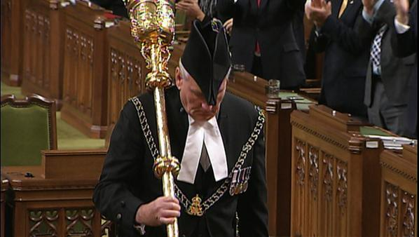 Sgt-at-arms Kevin Vickers gets a standing ovation in the House of Commons a few minutes ago. #cdnpoli #ottawashooting http://t.co/A9HvzhH3ed