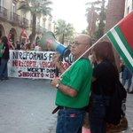 ¡¡Por la educación pública y contra los recortes brutales en Educación. Ya basta. #Wertdimision. En Huelva!! http://t.co/v3At43ca8b