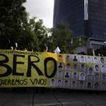 RT @masde131: Las fotos de la mega marcha en el DF #AccionGlobalAyotzinapa http://t.co/TCfP1xp2Z0 #Ayotzinapa http://t.co/gZsdIeYIWI