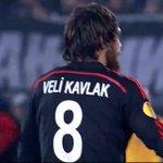 RT @Spor1903com: Beşiktaşı, Partizan karşısında 18. dakikada attığı şık golle öne geçiren oyuncu, Veli Kavlak namı diğer Çavi Kavlak! http://t.co/JQme7Ahtrf