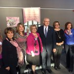 """Grâce à Christiane Huot,Céline Girard et Geneviève Faucher, St-Raymond sillumine en rose""@matte_michel #PLQ #polqc http://t.co/X4JJGIALyM"