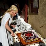 When Khaleesi has a birthday... #GameOfThrones http://t.co/cr2r3kosJZ