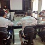 RT @alcaldiavpar: Alc @FredysSocarrasR en mesa de trabajo con la asociación de Carromuleros de @TuValledupar, escucha sus inquietudes! http://t.co/hj2L93Mi24