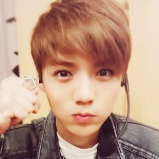 lu han ♥ http://t.co/y3805ayCR0