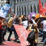 RT @g1: Militantes do PT e do PSDB entram em confronto no Centro de SP http://t.co/VVqk1bmJjm #G1 http://t.co/B49XYBD5vH