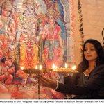 RT @SumairaJajja: lovely #diwali celebration photos from #Sindh & #Punjab on the wire.#Pakistan needs to lighten up often! #HappyDiwali http://t.co/Jy4JpWW5m9