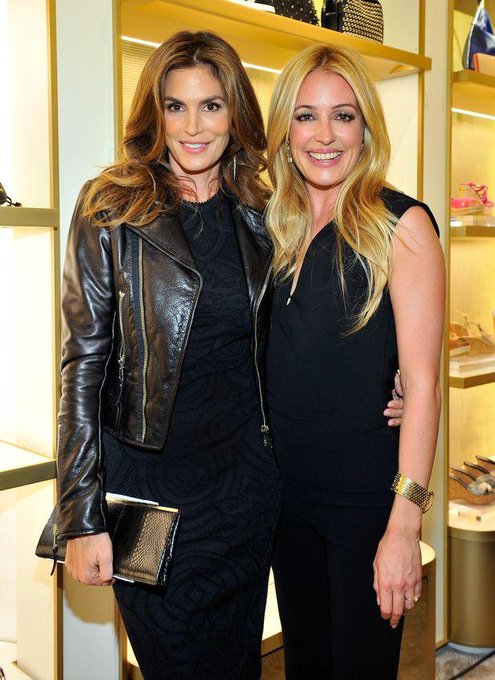 Cindy Crawford @cindycrawford: Sending birthday wishes to @catdeeley! Hope it's amazing :-) http://t.co/z9BeBbFCka