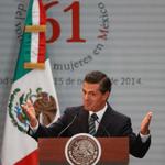 RT @iAmCancun: Rechaza Peña Nieto violencia para reclamar justicia por #Ayotzinapa. ¿Qué quiere el estúpido, aplausos? http://t.co/31PZreCp6Y