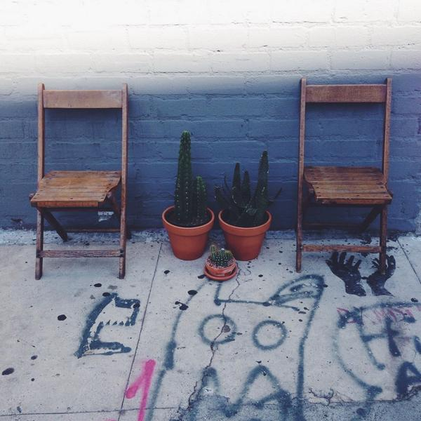 Between Two Chairs with Zach Galifiacactus http://t.co/lwMARhzVlM