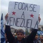 Conselheiro do Estadão que acusou Dilma de golpe xinga Venezuela em ato pró-Aécio http://t.co/E94G2tGyst http://t.co/C1j47xBuL8