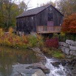 RT @WaterlooLibrary: How beautiful is @WaterlooPrk and the grist mill across from the Main Library? @citywaterloo @KWAwesome http://t.co/widNwpGhLA