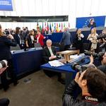 Parlamento Europeo condena acontecimientos en Ayotzinapa. @Gwendolyne_F con los detalles por #ExcélsiorTv http://t.co/YGMbSX0YY4