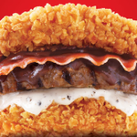 "RT @markeiamccarty: #damnthatsreal ""@BuzzFeed: KFC burger comes sandwiched between two pieces of fried chicken http://t.co/g1tCqEiZ4l http://t.co/NTBWrZYjBq"""