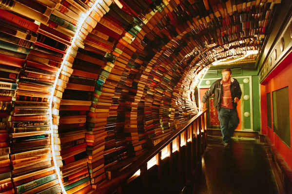 American indie bookstores every book lover must visit, via @buzzfeed. http://t.co/mpknrxOkpi http://t.co/Ltw640NMyX