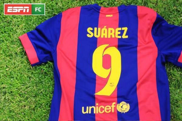 Siguiendo a @ESPNFutbolClub te podes ganar estas camisetas ! Quedan pocos días ! #CamisetaRonaldoFC #CamisetaSuarezFC http://t.co/gAQPIgAfrQ