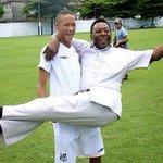 Parabéns ao Rei do Futebol ... O melhor de todos os tempos !! @Pele http://t.co/TCTyP4GBCb