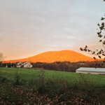 RT @SteveSeman: Mt. Nittany beams with fall color as the sun sets on Happy Valley @penn_state #PSU24 http://t.co/AyJE0myQPA