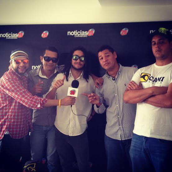 Agradecidos con el equipo de @N24_carabobo , por la entrevista de hoy !! #Venezuela #Valencia #Noticias #PuroYNatural http://t.co/t5bic5snye